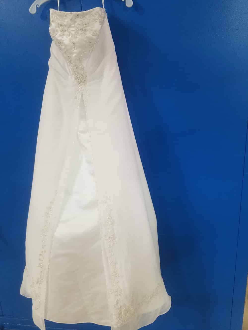 Wedding gown preservation evansville newburgh in for Restoring old wedding dresses